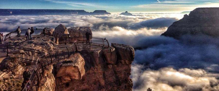 Grand_Canyon_in_fog